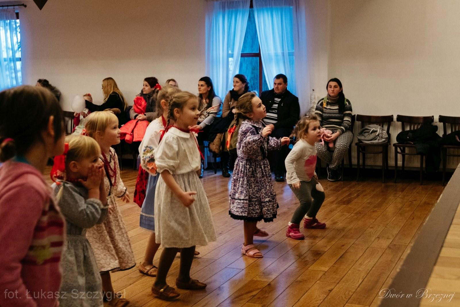 Dwór w Brzeznej - wesela, sale weselne, organizacja wesel, przyjęcia, uroczystości rodzinne, studniówki, komunia, urodziny, imieniny, stypy, szkolenia, koncerty, Nowy Sącz, Stary Sącz, Podegrodzie, Brzezna